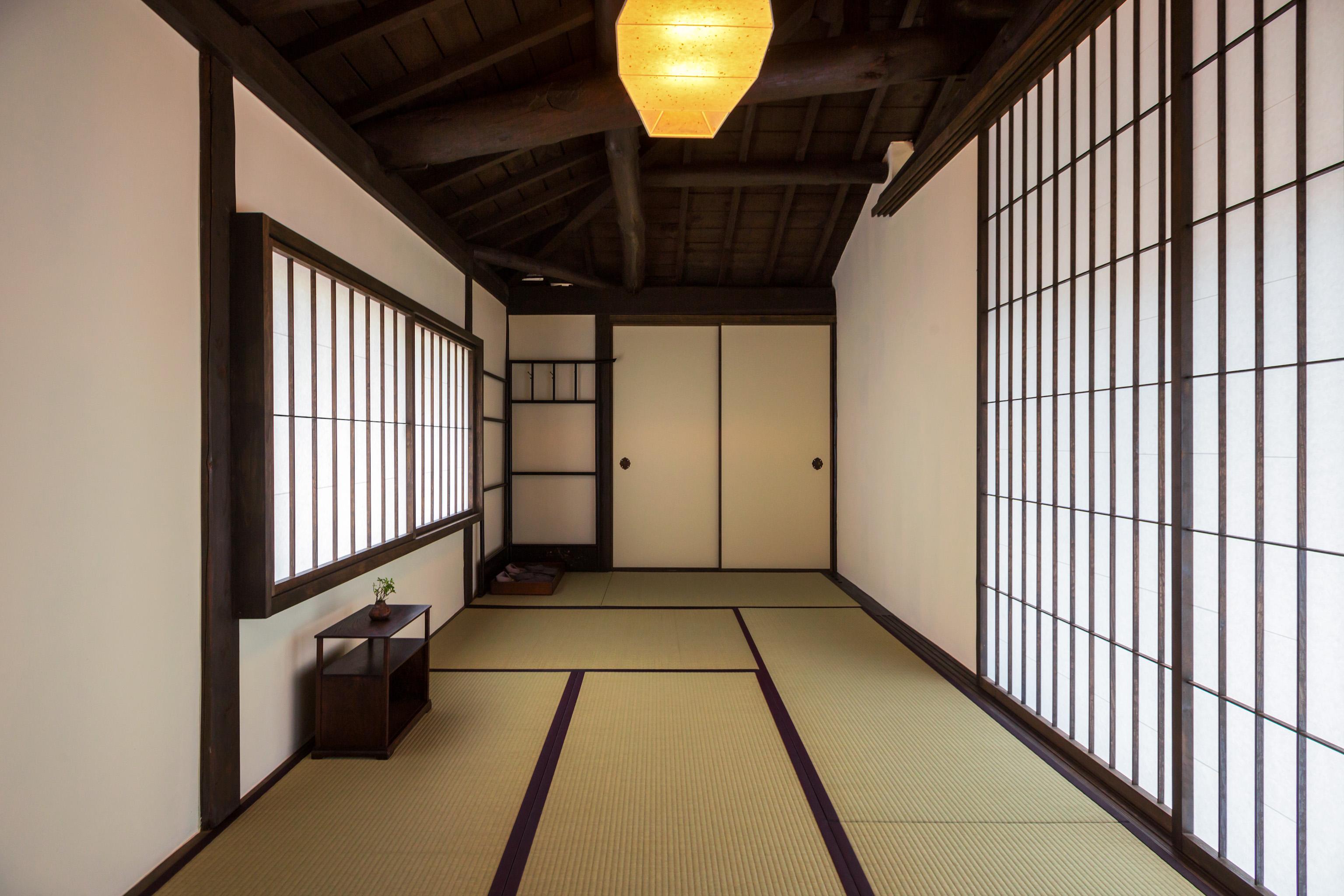 2階に7.5畳の天井高さのある和室